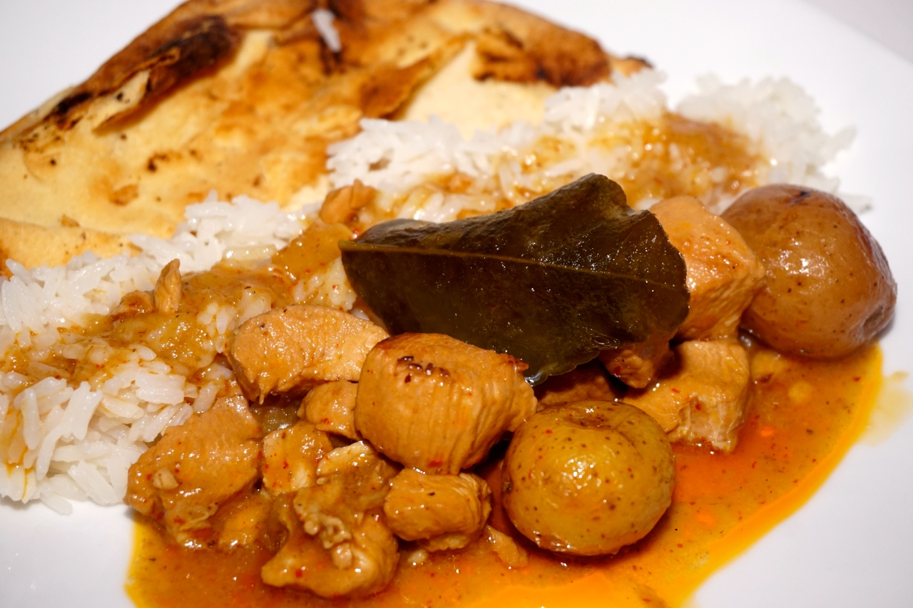 how to serve massaman curry